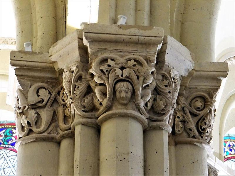 800px-Paris_-_Prieuré_de_Saint-Martin-des-Champs_-_Église_-_Chapiteaux_du_déambulatoire_-2